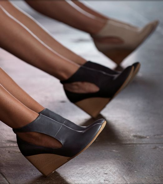 Coclico: Jory Nautic. These are those cute wedges that Joanna Gaines wears. Love her chill stylish self