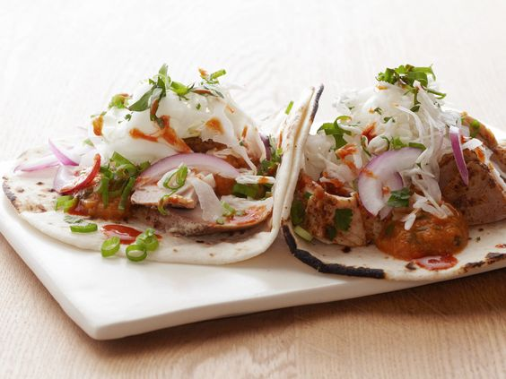 Although Bobby's Better-For-You Fish Tacos may be healthy, they don't skimp on flavor. He marinates the fish in lime juice before grilling it, then tops it with homemade salsa, sour cream and crunchy cabbage. #RecipeOfTheDay: Fish Tacos, Bobby Flay S, Flay Fish, Seafood Recipes, Flay Recipe, Tacos Bobby, Flay S Fish, Tacos Recipe