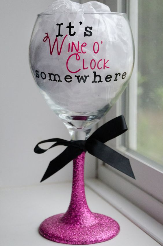 Wine O' Clock wine glass, Cute wine glass, Glitter wine