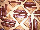 Marzipan - Nussecken (Rezept mit Bild) von Elli K. | Chefkoch.de