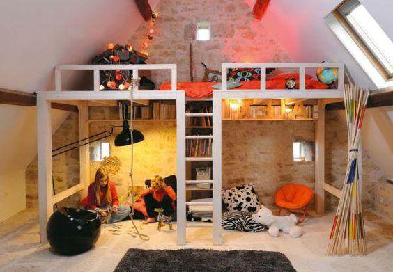 origwarme beleuchtung und hochbett im schicken zimmer f r jugendlichen bett design 24 super. Black Bedroom Furniture Sets. Home Design Ideas