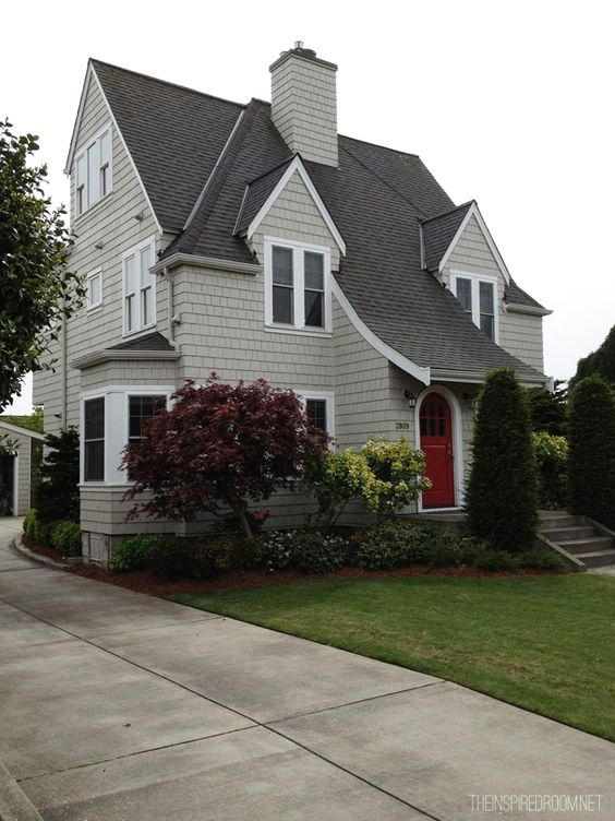 drive by beautiful houses magnolia neighborhood seattle part two beautiful exterior colors. Black Bedroom Furniture Sets. Home Design Ideas