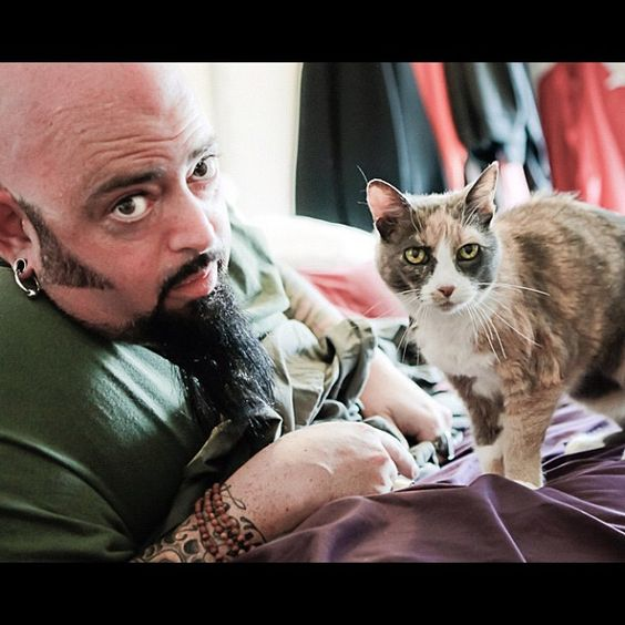 My cat from hell jackson galaxy chuppy and i are not for Jackson galaxy images