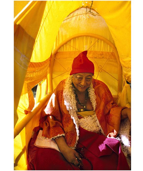 ☀️🙏🏾 His Holiness Dilgo Khyentse Rinpoche crossing the Gotsé La pass (Eastern Tibet 1988) #DilgoKhyentseRinpoche #DilgoKhyentse…