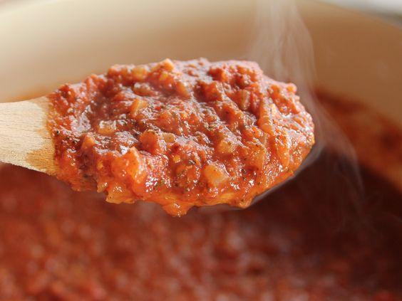Arrabiata (Spicy Spagetti) Sauce recipe from Pioneer Woman, Ree Drummond via Food Network