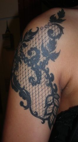 So I have decided that all my tattoos, if and when I get more, will be black and white. I absolutely love this one!