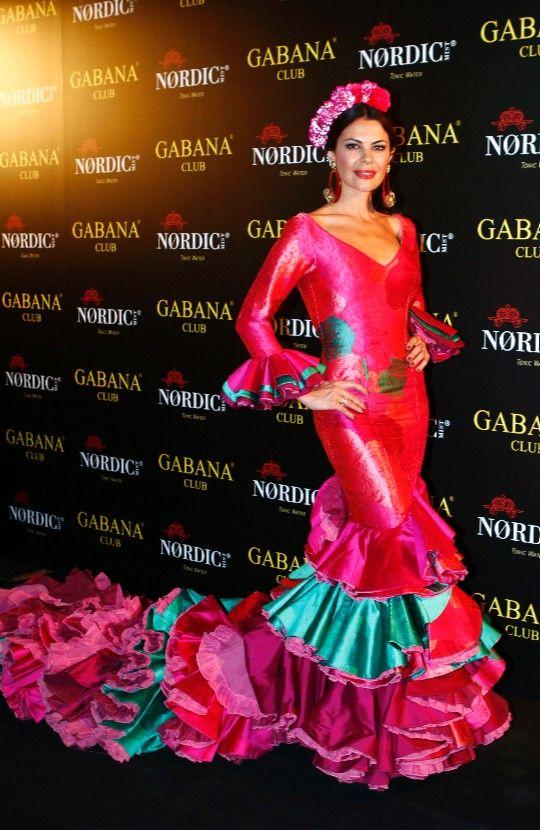 gloria camila vestida de flamenca - Buscar con Google