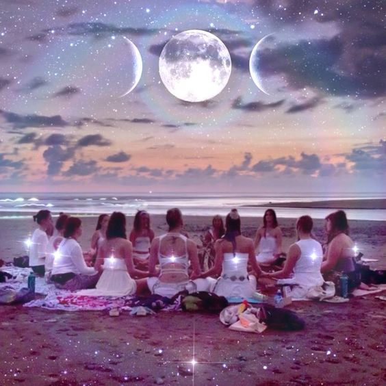 If you feel pulled to connect more deeply in ritual with the moon, resurrect goddess tradition in your life, while cultivating sisterhood, join Achintya for this rich experience beginning in the New Year on the first Full Moon of 2015! Full details -  www.goddessrising.org/moon-sisters  - Photo by CoyoteFotos