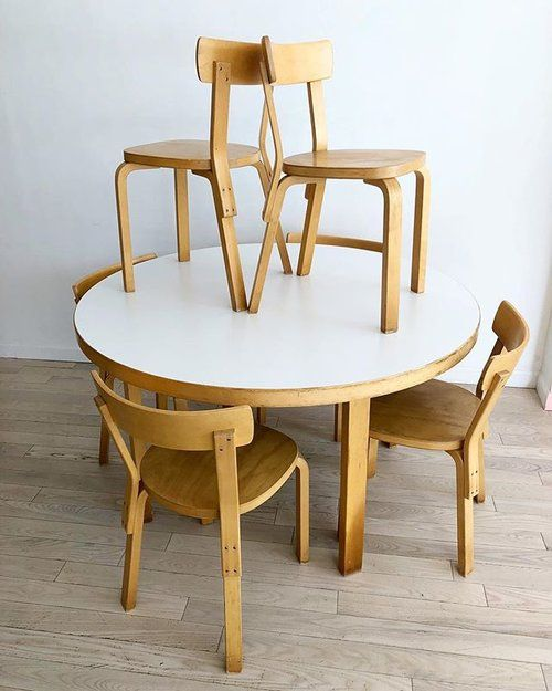 Vintage Alvar Aalto Round Dining Table And 6 Dining Chairs In