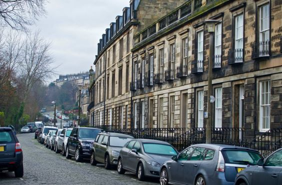 Popular Districts of Edinburgh If you're thinking of coming to live in Edinburgh…