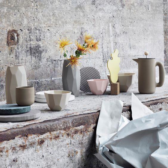 """Schale mit Ecken & Kanten! Die Deko- & Servierschale """"Shades Bowl"""" von Muuto stechen durch das besondere Design heraus."""