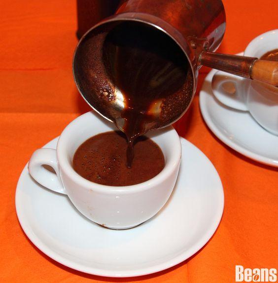 Pouring Selamlique turkish coffee! #turkishcoffee #pour #cezve