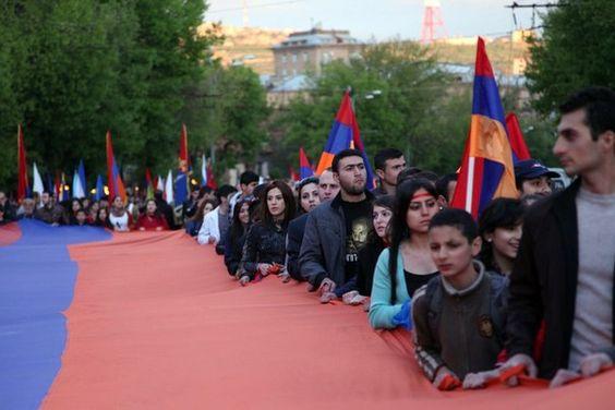 Armenia - Yerevan - Dzień Pamięci Zagłady - 24.04. Hayastan Nkarner