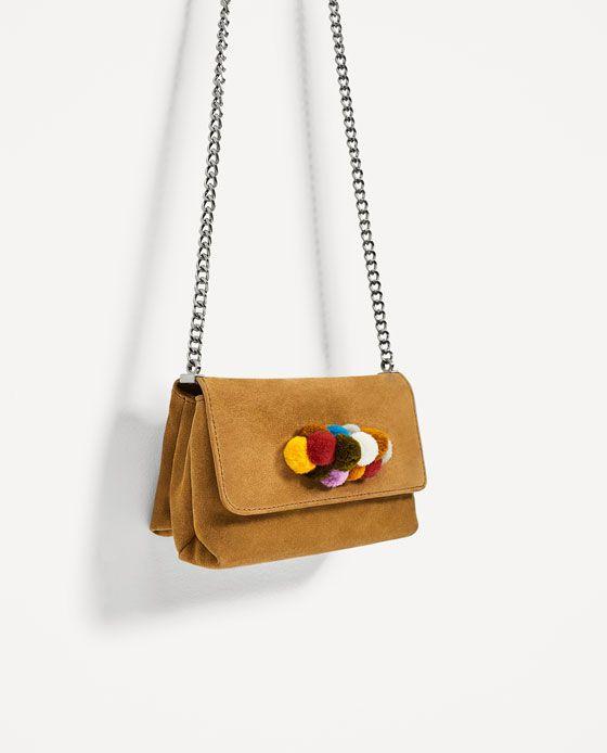 Image 3 de SAC BANDOULIÈRE EN CUIR AVEC DÉTAIL SUR LE RABAT de Zara