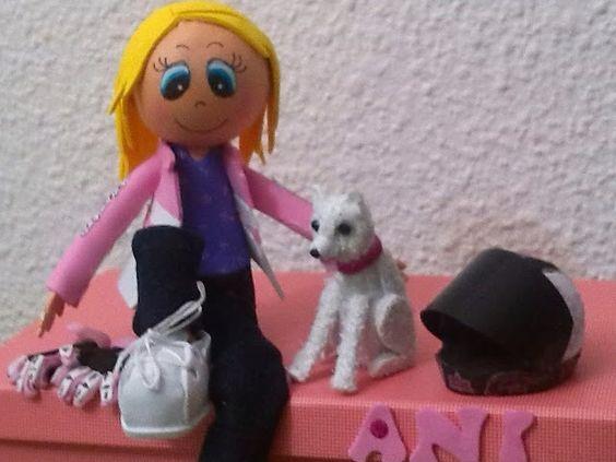 Fofuchas Kamen's: Fofucha con caja perro, guantes y casco