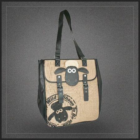 Grand sac cabas pour femme Shaun the Sheep. Ce grand sac shopping sera parfait pour transporter classeurs, cahiers et autres pour aller à la fac en tant que sac de cours. Il sera aussi parfait pour toute autre utilisation grâce à sa contenante très généreuse.