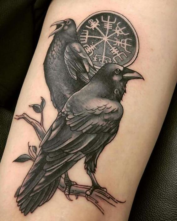 Viking Tattoo Raven Tattoo 30 Pictures That Show That This Bird Is A Lot Cooler Wikingertattoo Vikings Norse Tattoo Scandinavian Tattoo Raven Tattoo