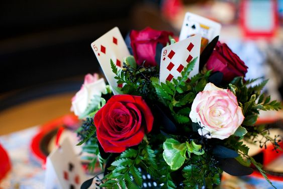 Mad hatter centerpieces the centerpieces were a huge hit who 39 s been painting my roses red - Deco baby shower rose ...