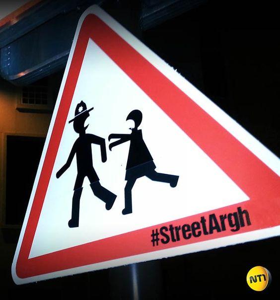 Des panneaux version zombies pour #TheWalkingDead !  Plein d'autres dans l'article :)  #StreetArgh