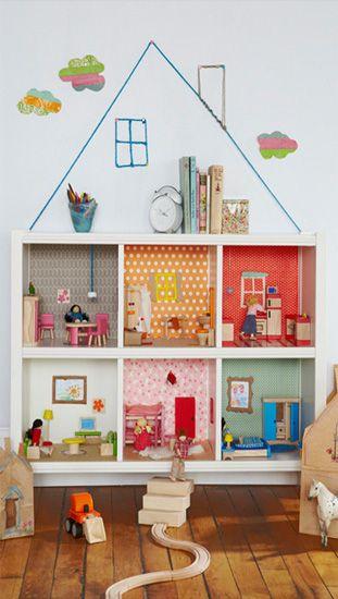 Comment transformer un meuble IKEA en maison de poupée ?