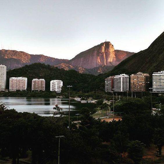 Amanhece no Rio. Bom dia! http://ift.tt/1L25d1d