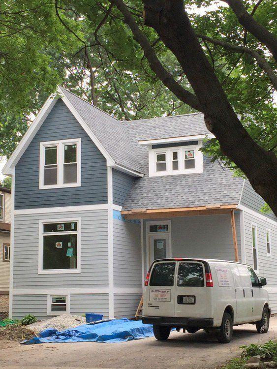 Exterior paint colors in frank lloyd wright 39 s oak parkbenjamin moore body boothbay gray trim for Accent colors for gray exterior