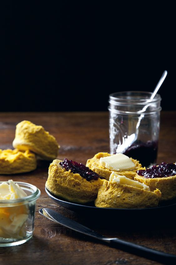 Simple Vegan Sweet Potato Biscuits | picklesnhoney.com