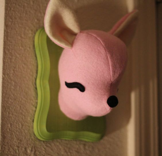Of course...you mount the heads of favorite childhood toys or stuffed animals. Perfect for the hipster nursery niche market!    ♥ download roomhints.com/app