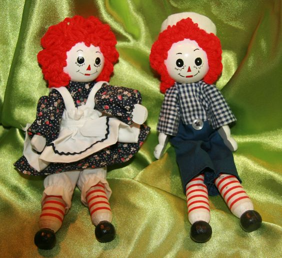 Articulated  Artist signed  Raggedy Ann & Andy Closepin Dolls 1989~ 7 inch tall