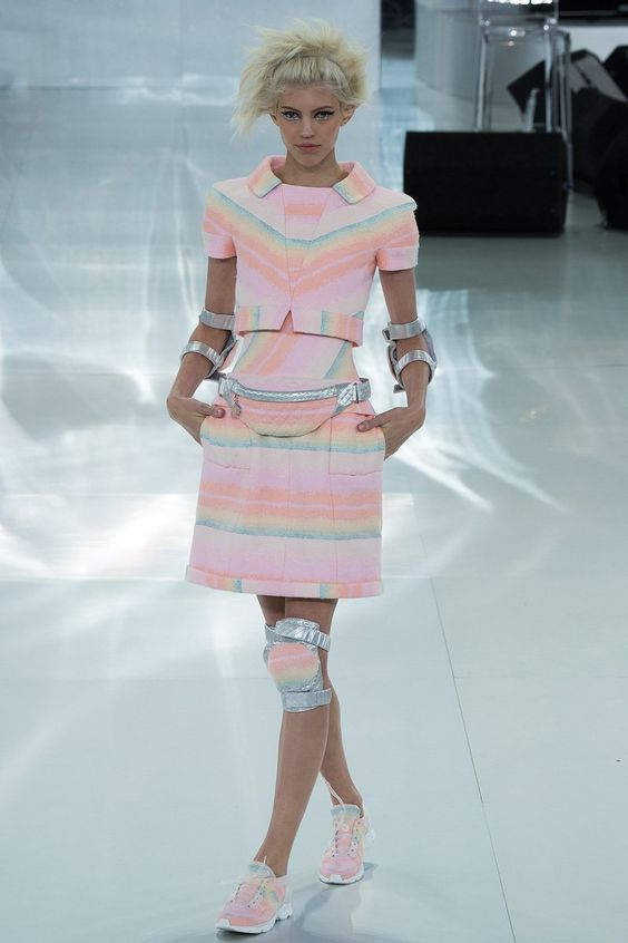 chanel-spring-2014-couture-runway-16_20570588053.jpg