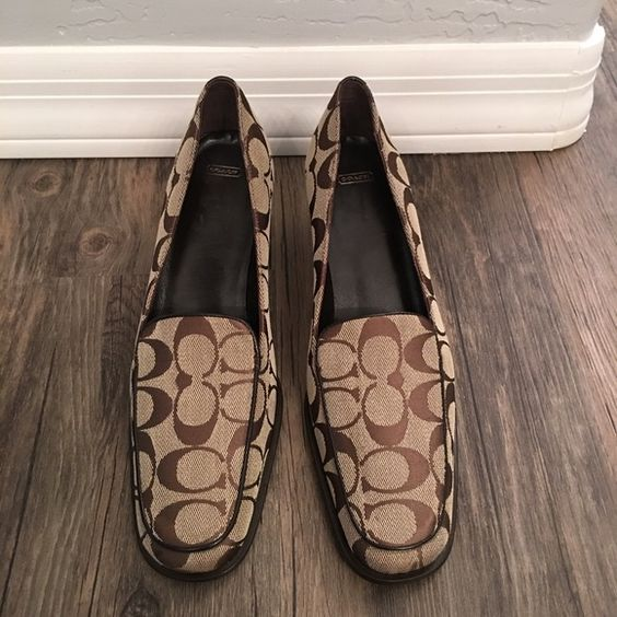 Woman's Coach Slip On Shoes SZ 8 in Brown $150 Woman's Coach Brown Traditional Pattern,Slip on Shoes,Size 8,Brand New Without the Box,Retails for $150 or More,Closet Kept in a Smoke free Pet free Home Coach Shoes