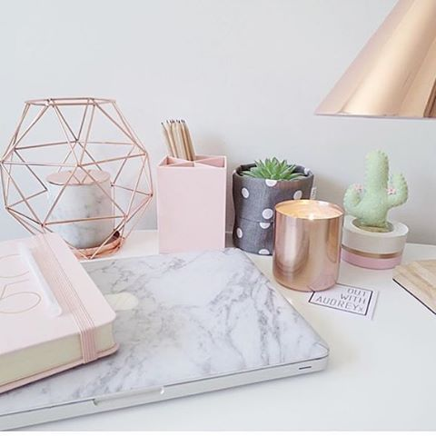 rose gold office supplies / marble office decor / desk decor ideas
