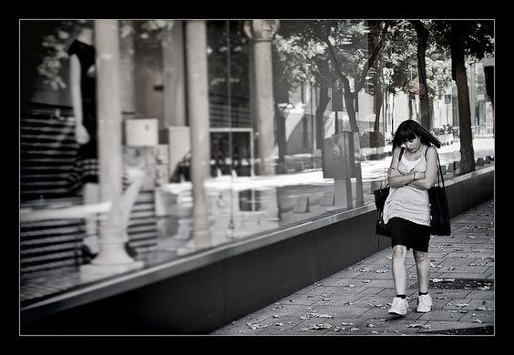 En la calle de Serrano (Madrid)    www.vicentemendez.com