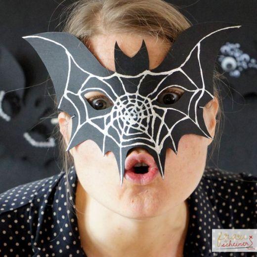 Halloween Papiermasken: Totenkopf und Fledermaus - frausscheiner.de