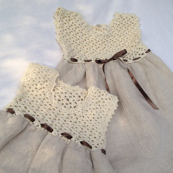 Linen and cotton dress, bridesmaid dress, worked crochet and sewing. handmade, hem day: