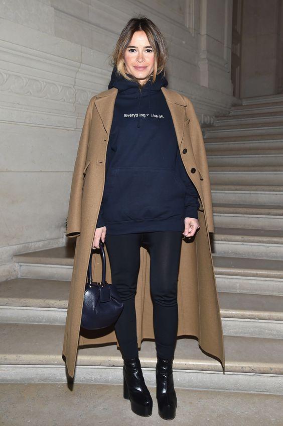 Мирослава Дума на показе Valentino в Париже   Мода   VOGUE Live   VOGUE