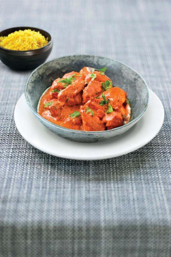 Pittige rode curry met kip en citroenrijst http://njam.tv/recepten/pittige-rode-curry-met-kip-en-citroenrijst