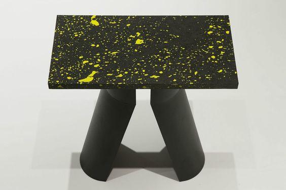 Magma de Victoria Wilmotte. Tabouret, pierre de lave, résine, Métal, 40 x 20 x 45 cm, 2014. Galerie Torri