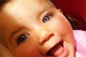 Cuando los ojos del bebé cambian de color - BabyCenter