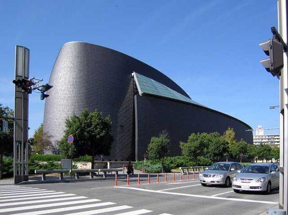 アムステルダム市立近代美術館のデザインが凄い こういう突き抜けたセンスが日本にも必要
