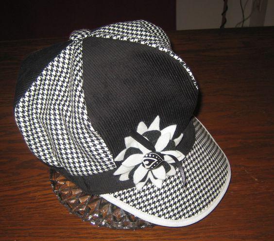 casquette gavroche en noir et blanc tissus velours et pied de poule : Chapeau, bonnet par margeolu-ellin-s