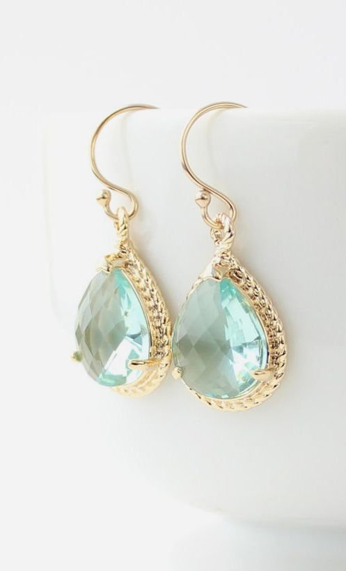 We just can't get enough of the aqua-yellow gold combo! We are in love with these drop earrings! https://www.facebook.com/pages/Chris-Alix-Custom-Jewelry/187194701308962: