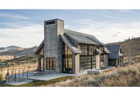 Refined Farmhouse Barn Style House Modern Barn House Modern Farmhouse Exterior