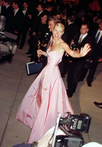 Gwyneth channels Grace Kelly in Ralph Lauren at the Oscars (1999). Probably my all-time fav Oscar's dress!