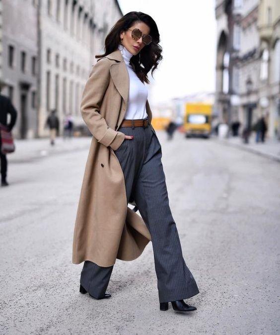 Если ты в тренде, то знаешь, что самые модные брюки сезона – широкие! Как носить и с чем сочетать модную новинку?