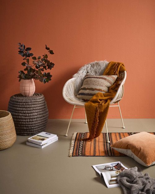 Toasty Terracotta Living Room In 2020 Feature Wall Living Room Orange Painted Walls Feature Wall Bedroom #terracotta #living #room #walls
