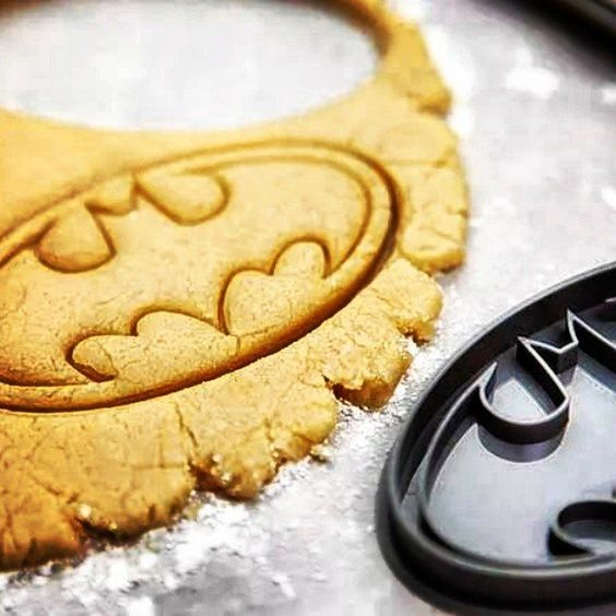 Batman Logo Cookie Cutter Stamp / Give your kiddos a delicious treat this vacation by shaping your homemade cookies using the Batman Logo Cookie Cutter Stamp. http://thegadgetflow.com/portfolio/batman-logo-cookie-cutter-stamp/
