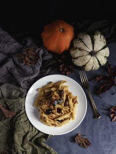 Pasta con ragù di coniglio e zucca | Pasta with pumpkin and rabbit sauce