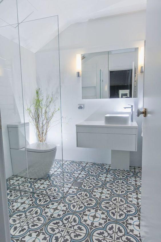 47 Cool Small Master Bathroom Renovation Ideas In 2020 Patterned Bathroom Tiles Gray Bathroom Decor White Bathroom Tiles