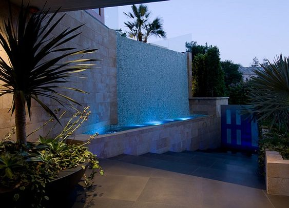 3 Story Contemporary Bachelor Pad in Los Angeles California by Ben Bacal  (12)